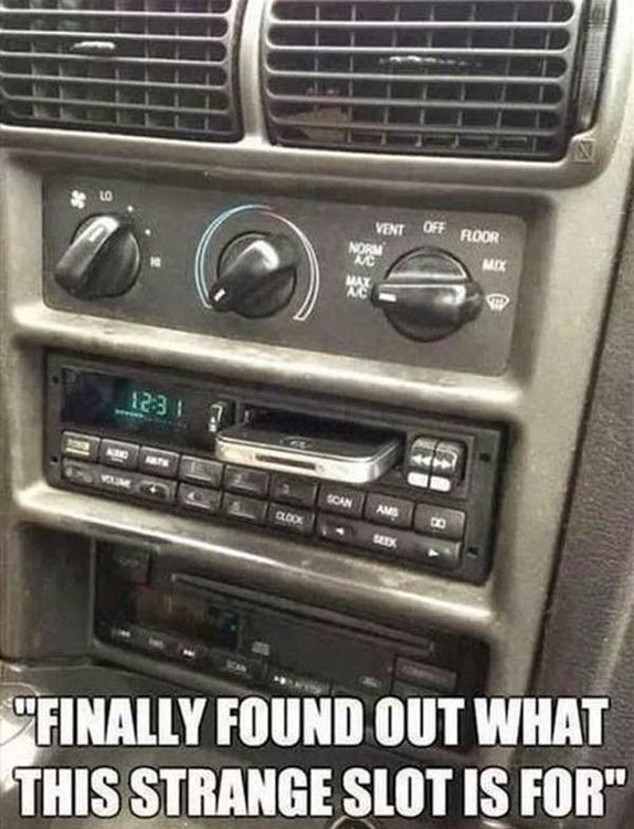 funny-contemporary-car-slot-iphone-stand-pics.jpg
